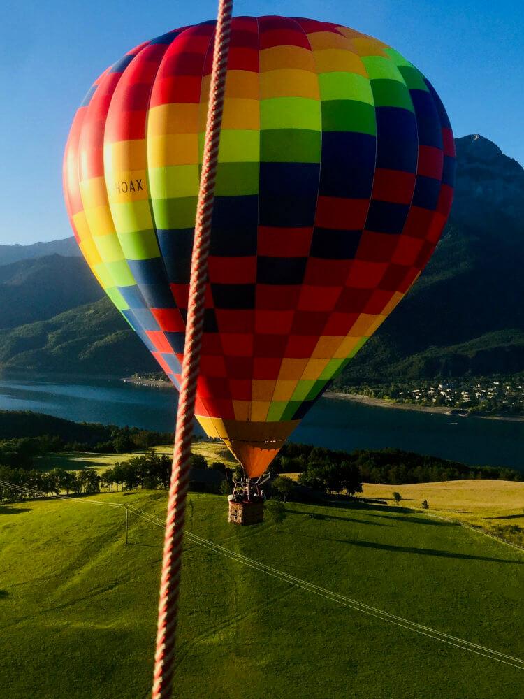 La montgolfière multicolore